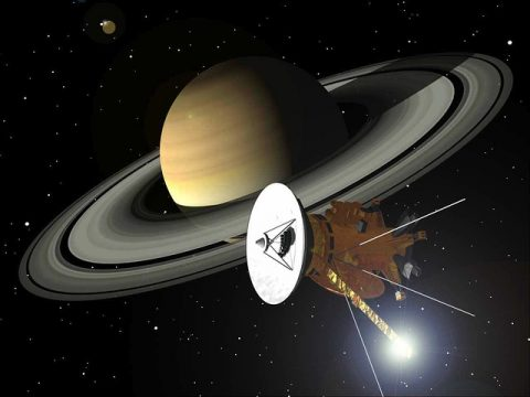 cassini fly by saturn