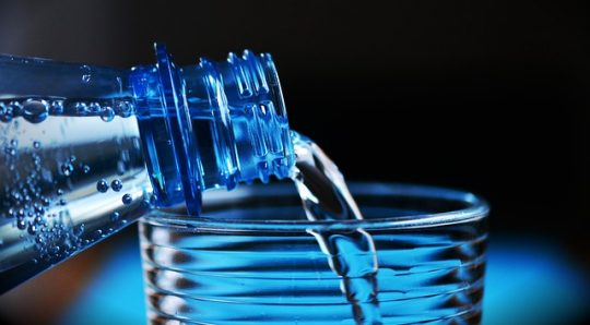 plastic bottles, chemicals bpa